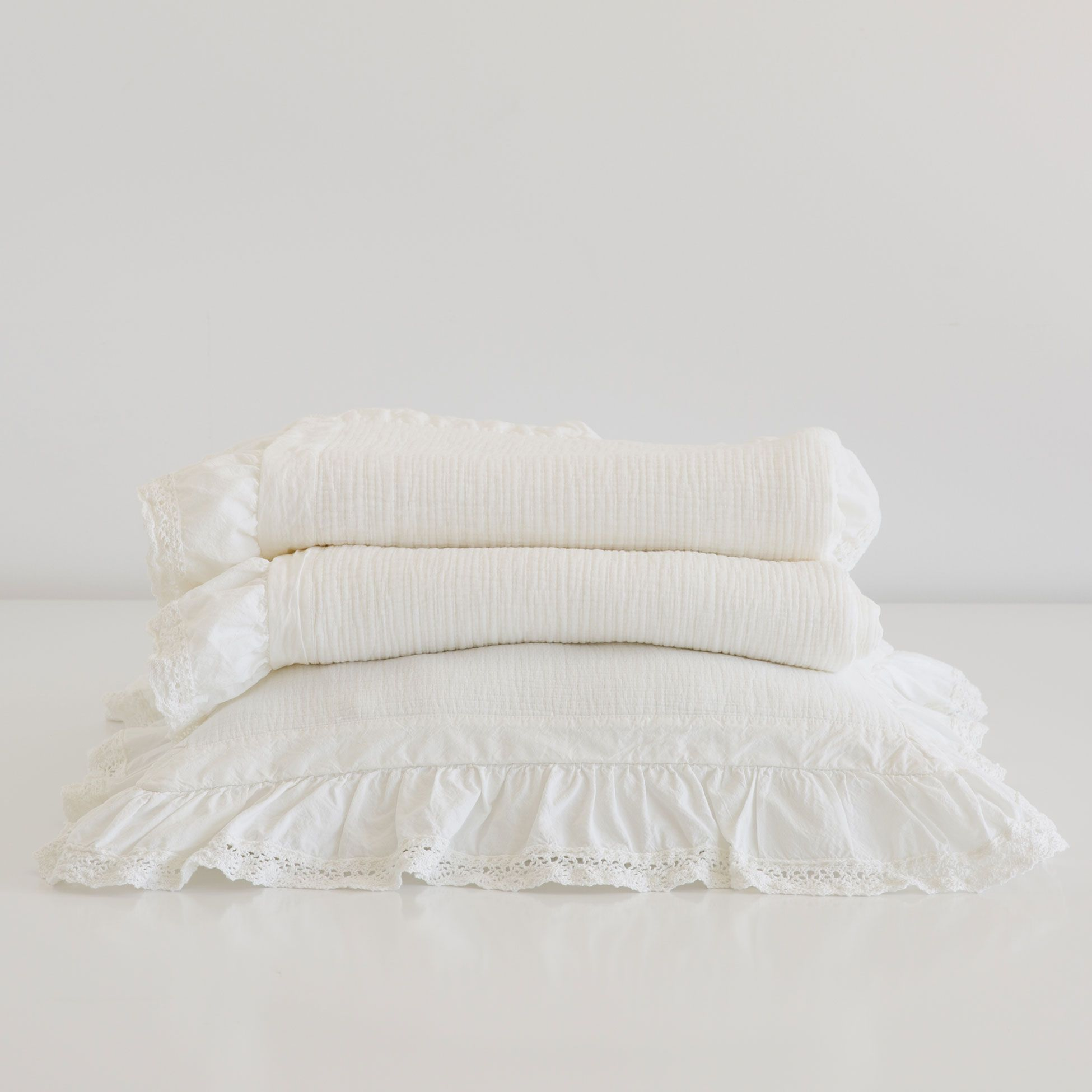 Lace Frill Bedspread And Cushion Cover