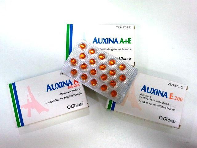 Auxina A + E (cápsulas de gelatina blanda). Son unas cápsulas que se venden en las farmacias. Se pincha en la perla y se da el masaje por la noche, pues lleva retinol y a éste no le puede dar la luz del sol. Deja la piel tersa, hidratada, sin imperfecciones ni arrugas. Y todo por 4 euros.