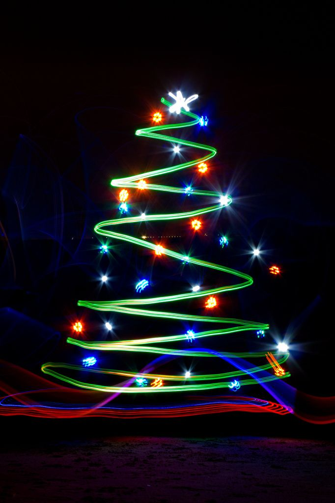 Holiday Lights In Abstract Slow Shutter >> 25 Wonderful Christmas Light Painting Images Craft Painting Ideas