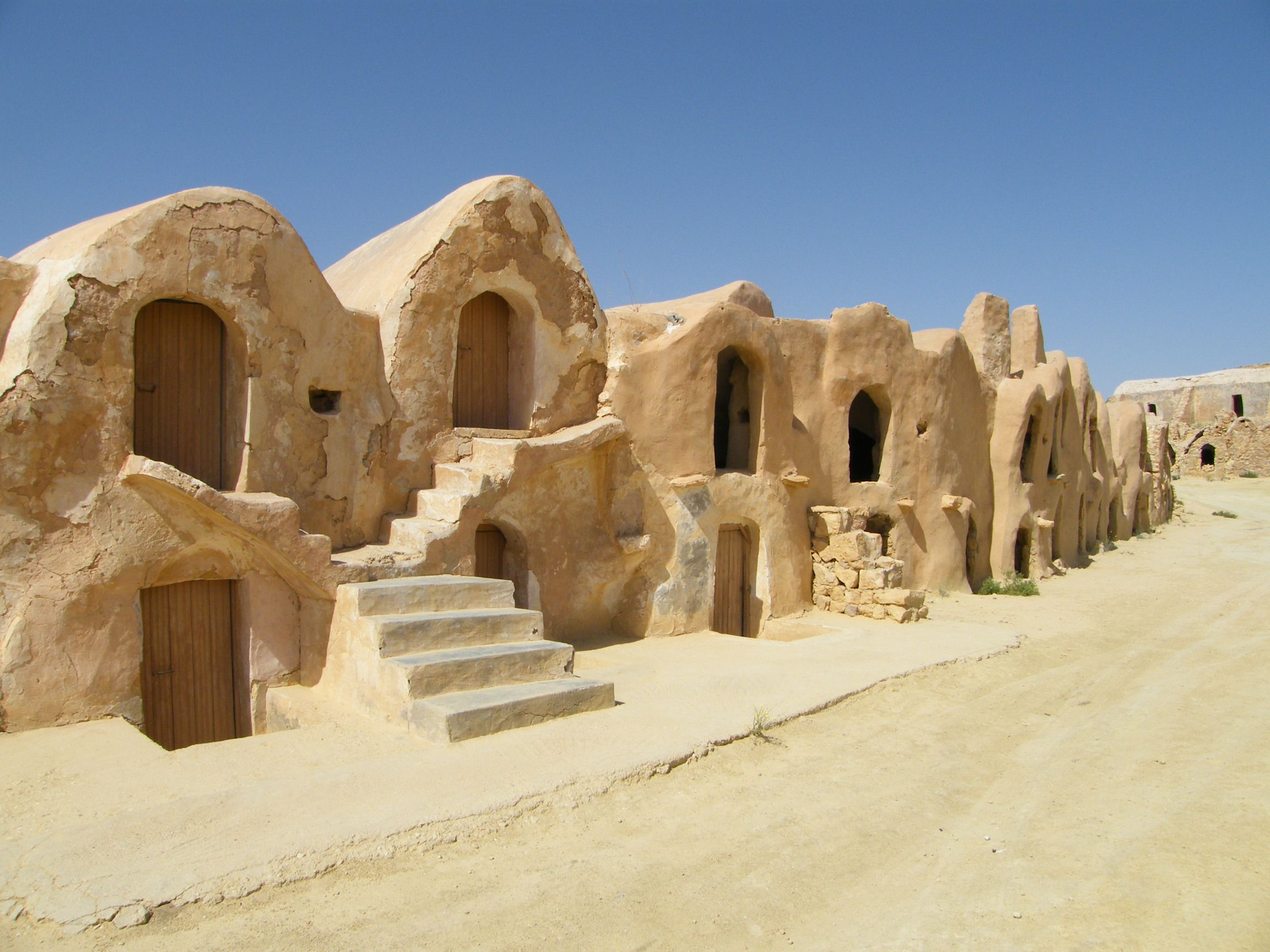 tunisie maison troglodyte Troglos Pinterest