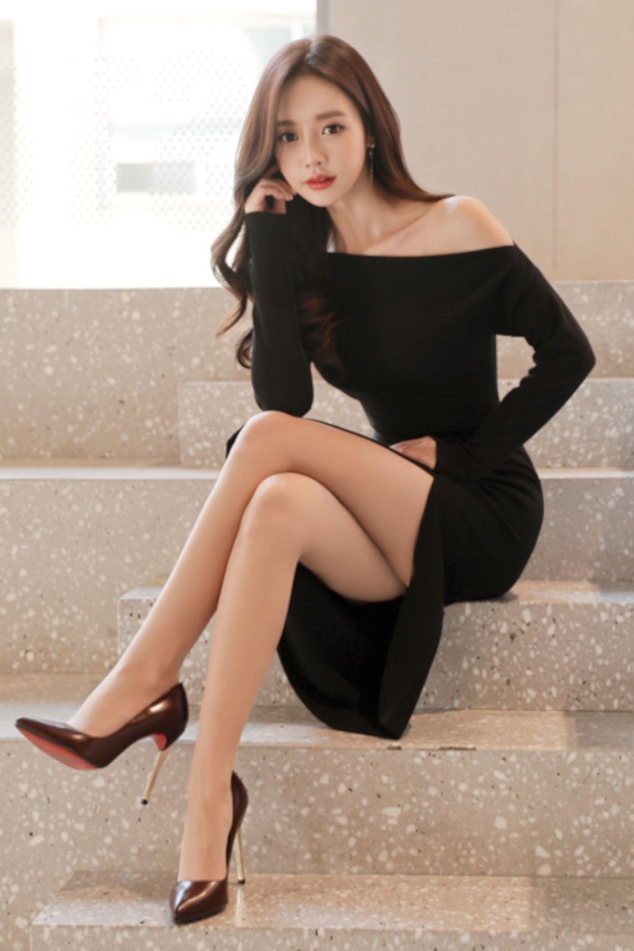 Korean dress, with high heels, too tempting   Korean