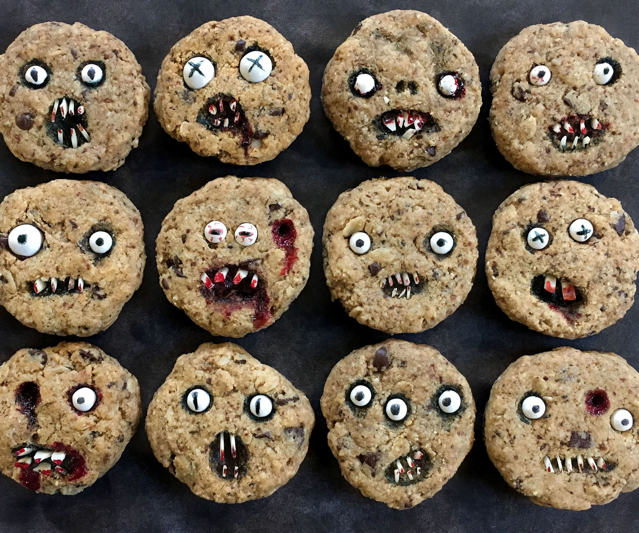 creepy chocolate chip cookies | ghoulish goodies | pinterest
