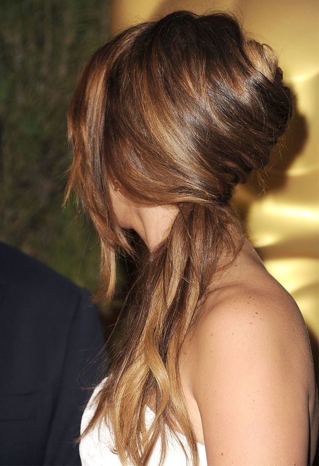 Whether you're looking for a way to wear your hair to work, on a date or you simply want an alternative to the ever-so-reliable ponytail, you can never go wrong with a French twist. It's soft. It's feminine. And as you're about to see in just a sec, there are actually many different variations of …
