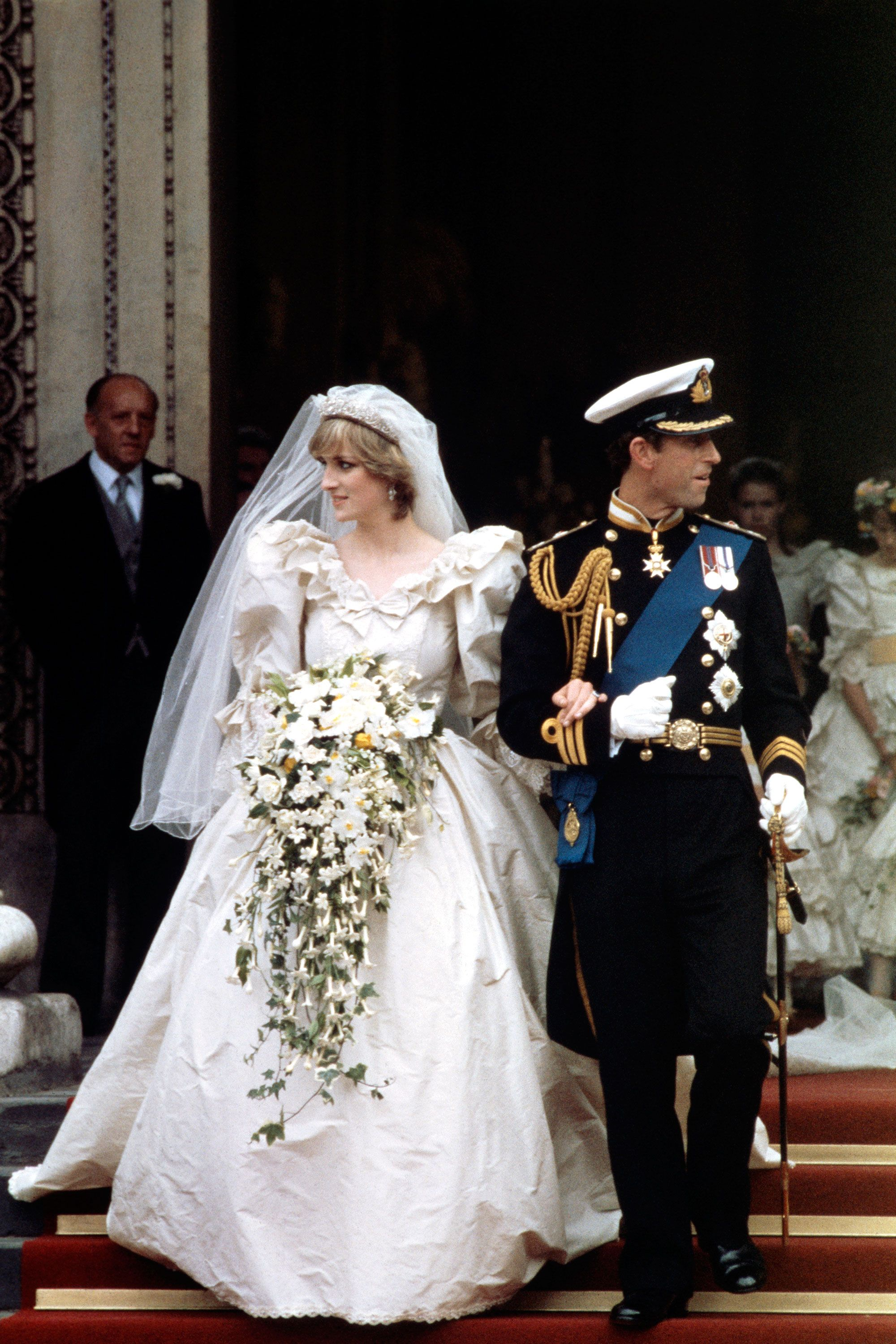 The 50 Most Iconic Wedding Gowns In History Princess Diana Wedding Dress Diana Wedding Dress Princess Diana Wedding