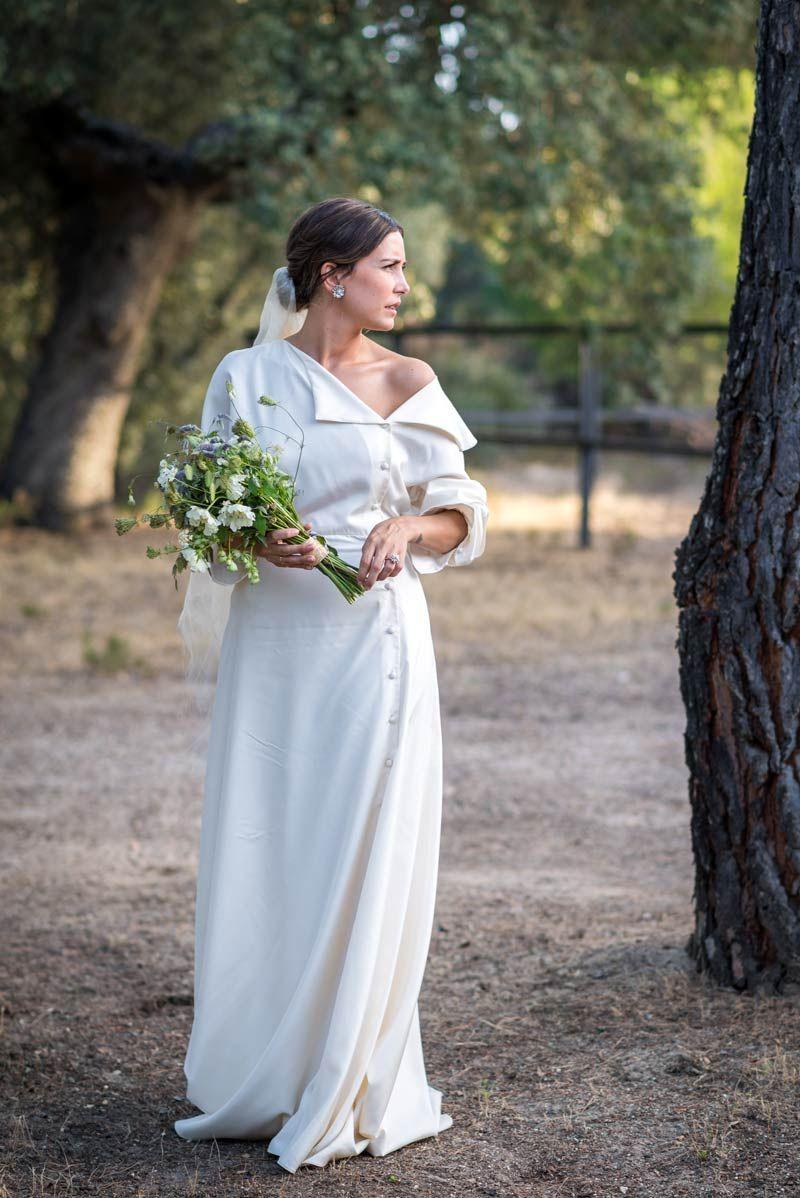666c6389a El vestido de novia de Flor Fuertes I © Días de Vino y Rosas | El ...