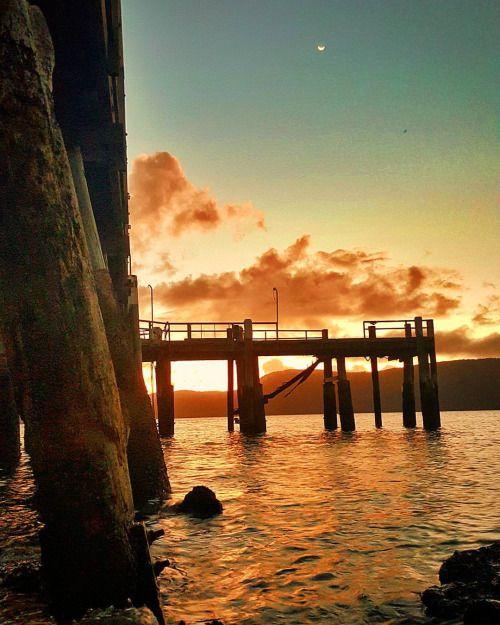 mel365-travelphotography:  Sunset in Daydream Island Australia...