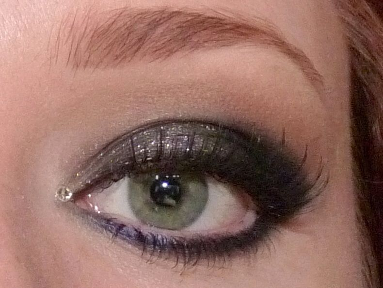 Dramatic New Years Eve Look! All details on the blog: lulabella11.blogspot.com