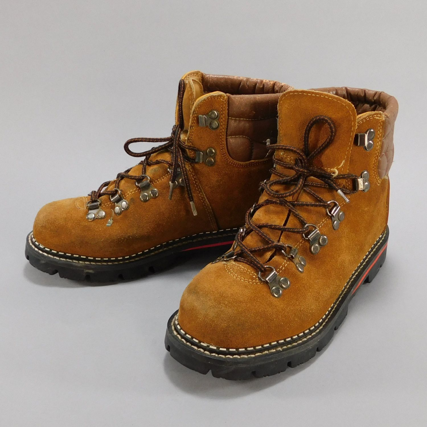 Vintage 1970s Hiking Boots Suede Hikers Boots Hiking Fashion Hiking Boots