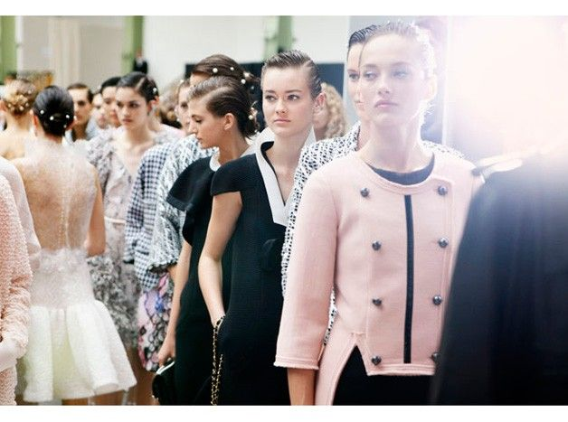 chanel-spring-summer-2012-ready-to-wear-backstage-04