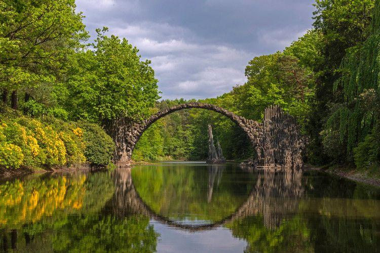 The World's Most Spectacular Bridges