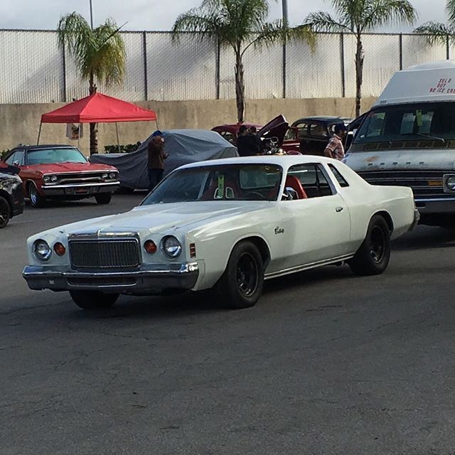 1975 Chrysler Cordoba Muscle Car Lots Of Work Done And Go Fast