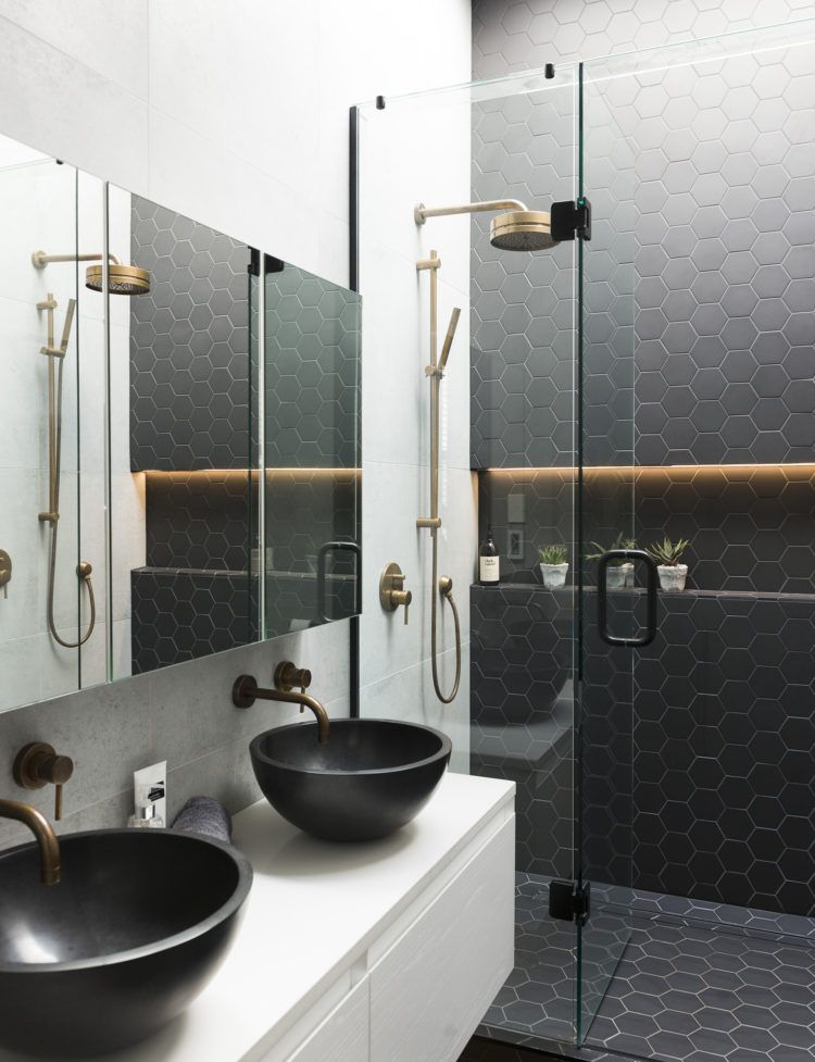 Tireless Attention Detail Resulted In This Villa Transformation Bathroom Design Bathroom Inspiration Trendy Bathroom