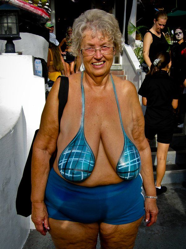 Old women boobs pics