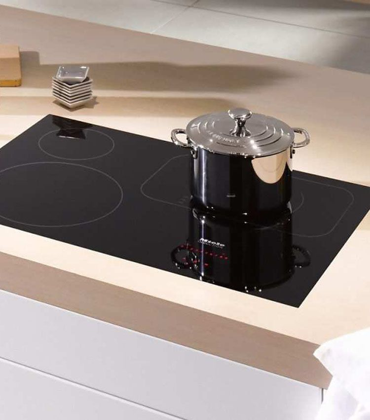 You Are Now Looking For A New Cooktop But Can T Decide Between An Induction Cooktop Vs Gas Cooktop Induction Cook Induction Cooktop Cooktop Induction Cooking