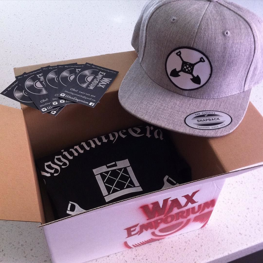 On it's Way :) Now Available at http://ift.tt/1yWbhUM #snapbacks #dustyfingers #hiphoplife #djlife #hoody #vinylcommunity #the405mag #snapback #waxemporium #nowspinning  #diggininthecrates #records  #vinyl #pioneer  #vinyldj #hiphop #vinyligclub #waxaddict #technics #turntable #rundmc #rap #record #lids #waxaddict #yupoong #hat #turntablism #turntablist #cratedigger #vinyljunkie by waxemporium http://ift.tt/1HNGVsC