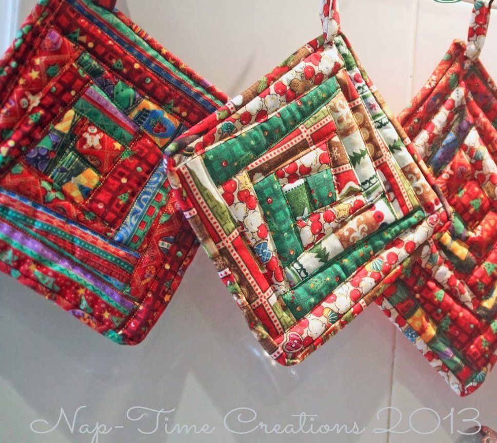Scrappy Christmas Pot Holders Pot Holders Christmas Sewing