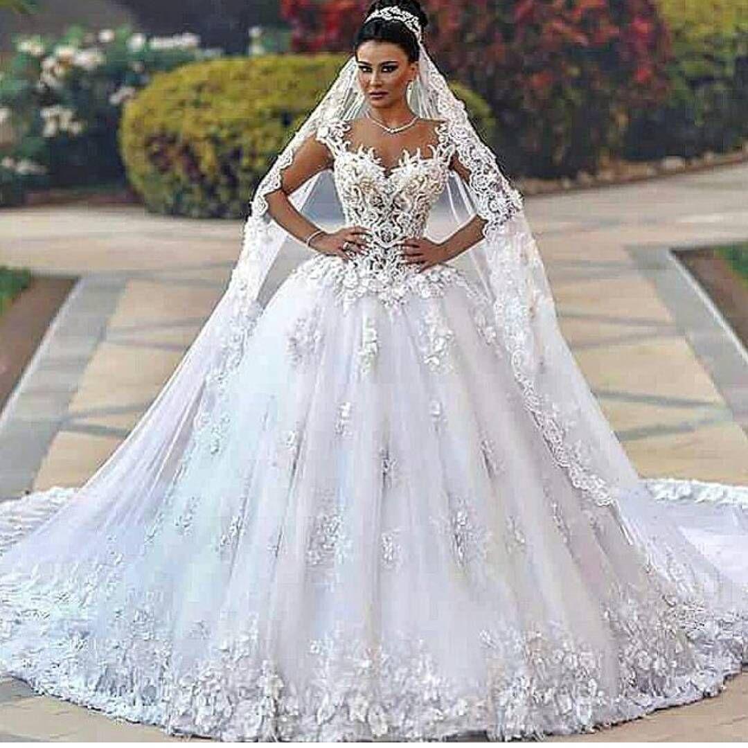 Pin von Larissa auf L & W | Pinterest | Hochzeitskleider und ...