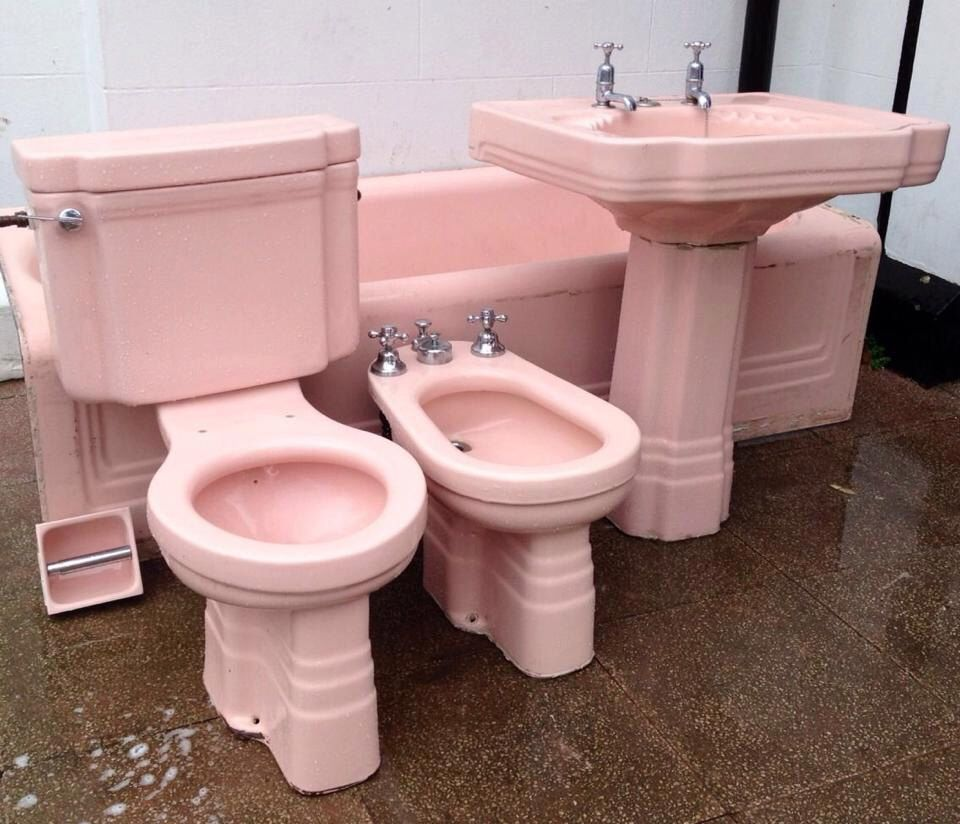 Stunning Pink Art Deco Bathroom Suite Rare And Complete Set With