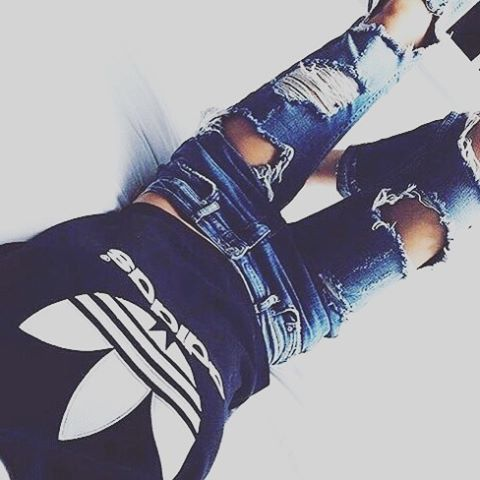 Style ✨ #fashion #adidas #adidasoriginals #look #love #luxo #life #estilo #estiloéserlivre #somoslindas #top #divando #vocênamoda #moda #modafeminina #style