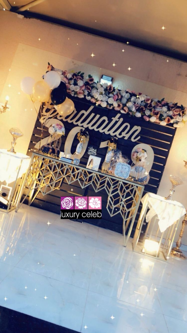 كوش تنسيق حفلات الطائف Luxury Celeb Instagram Photos And Videos Graduation Party Inspiration Graduation Party Decor Vintage Wedding Cards