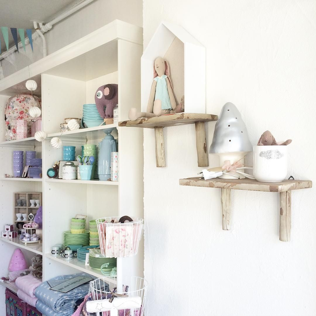 Pretty shop interior, Maileg bunny. Bella Casa in Niederlenz ...