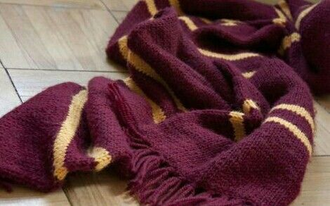 gryffindor scarf aes hp harry potter aesthetic harry