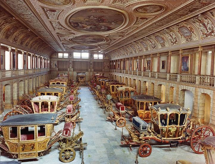 An unconventional 'garage' The car collection of portuguese monarchs