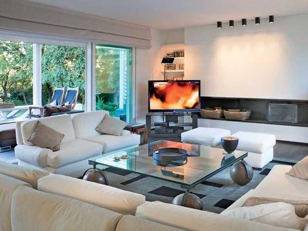 Vediamo quanto costa ristrutturare casa Living rooms