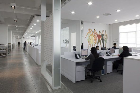 Small sized office interior design to boost the for Small corporate office design