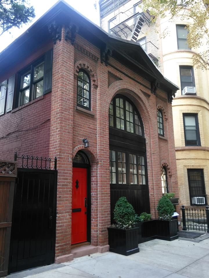 Carriage House Pineapple Street Brooklyn Heights Historic