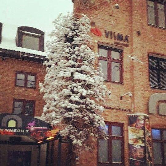 Vinter stemning og skikkelig snø her i olbyen ❄