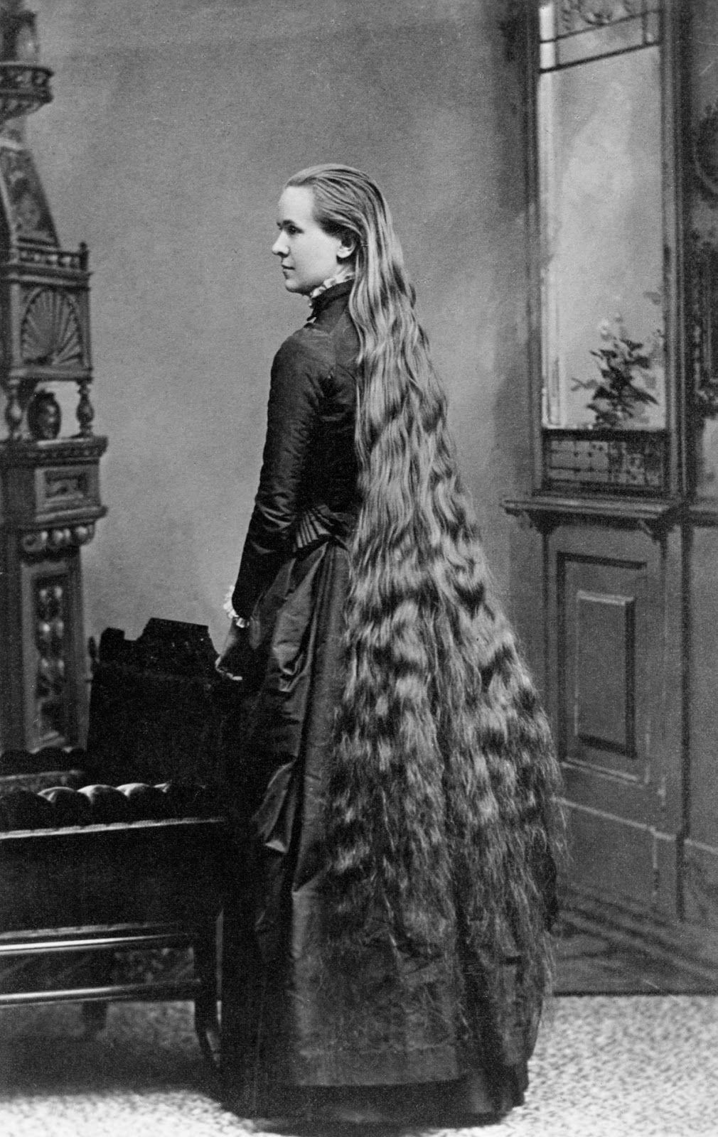 Vintage Everyday Long Hair Victorian Style 14 Vintage