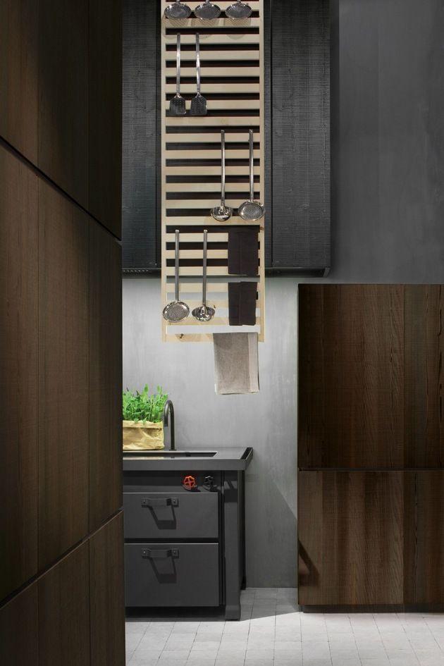 interior design Natural Skin Kitchen by Minacciolo: Industrial and Sleek
