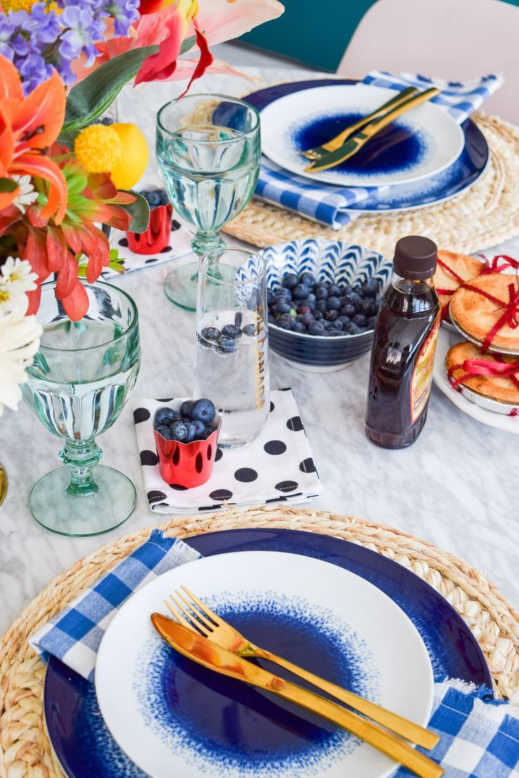 Canada day blue floral tablescape tablescapes