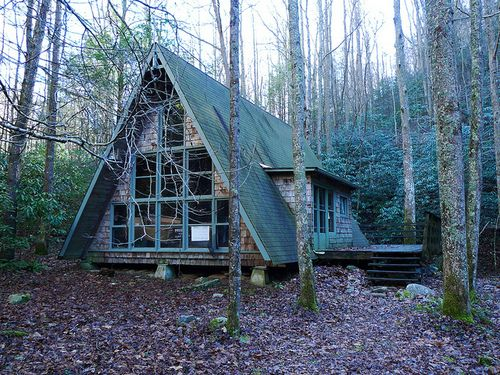 Tiny House A-frame In The Woods / The Green Life
