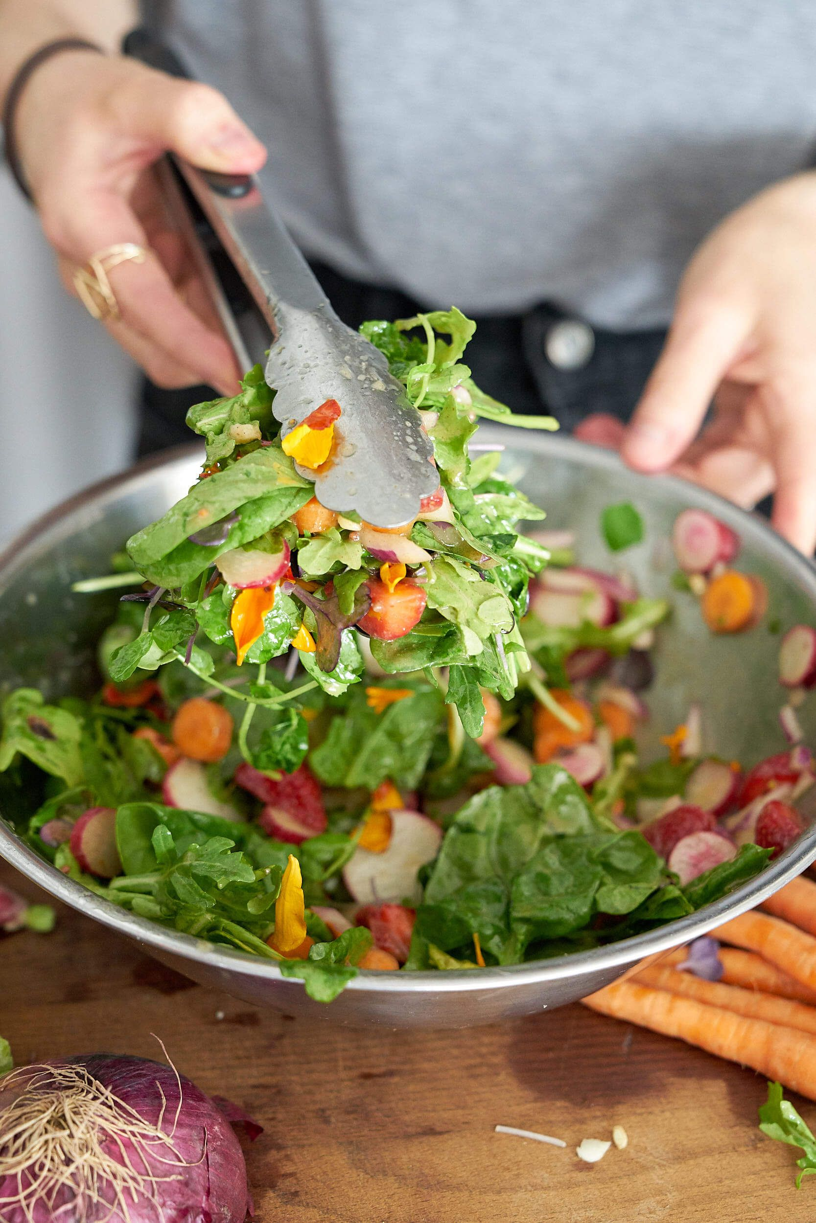 Black Seed Magic Dressing On A Summer Salad Recipe Summer Salads Healthy Dinner Recipes Entree Recipes [ 2500 x 1667 Pixel ]