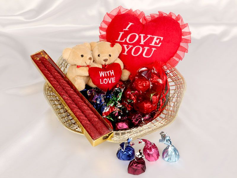Send Wedding Gifts Online India: Send Anniversary Gifts To India From Monginis Online Gift