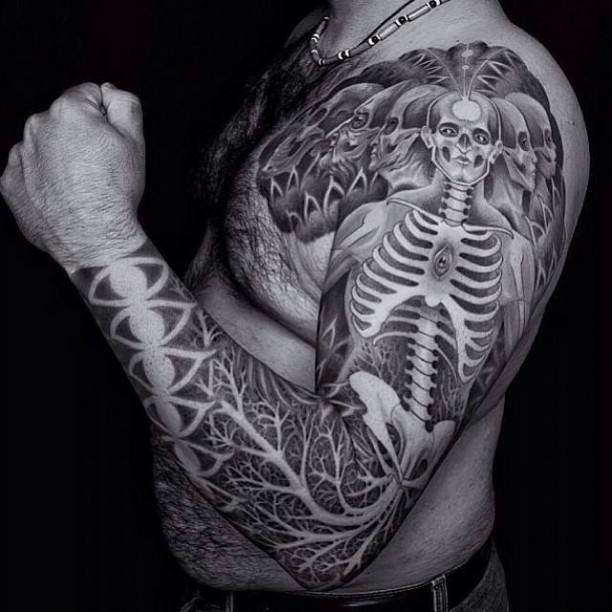 chest arm tattoo skeleton black white tattoo tattooed tattoos arm tattoos pinterest. Black Bedroom Furniture Sets. Home Design Ideas