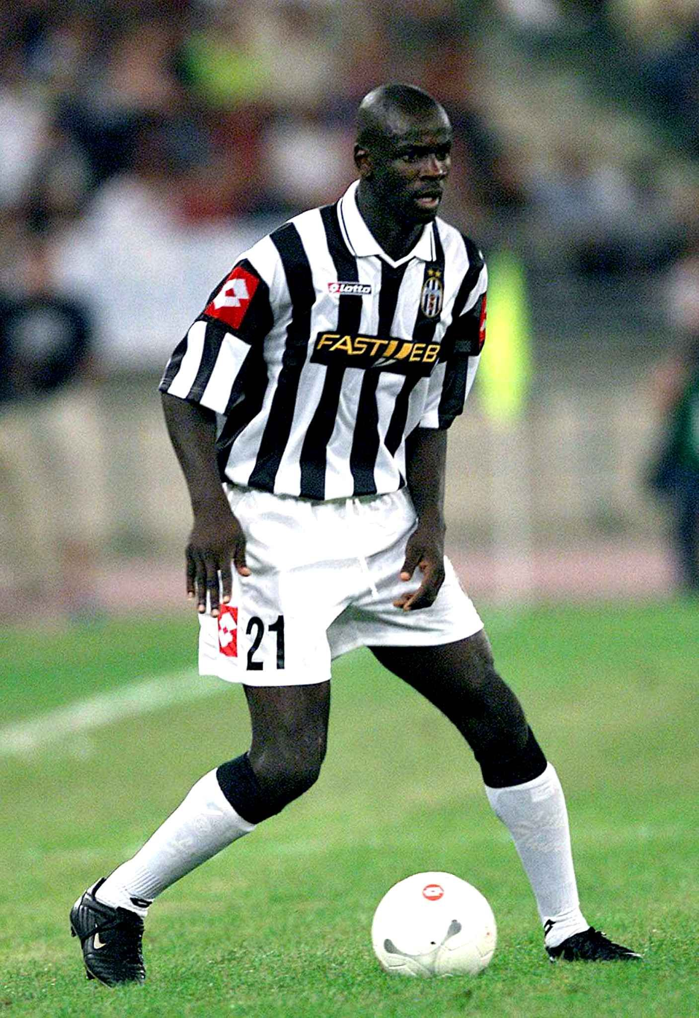 4 Thuram 41 5 millions de Parme  la Juventus Turin en 2001