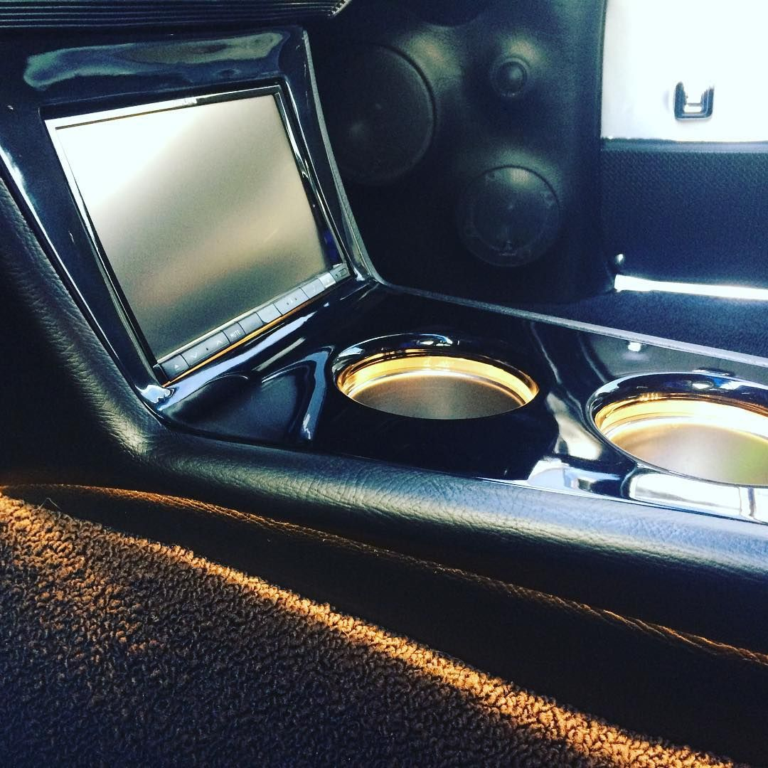 custom console chevelle double din custom car audio install led cup holders auto addiction. Black Bedroom Furniture Sets. Home Design Ideas