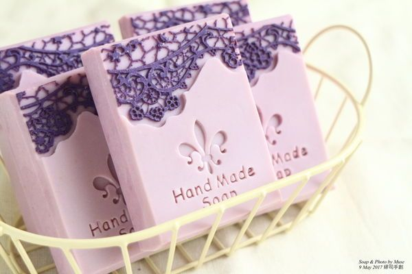 紫羅蘭蕾絲香氛皂 Violet Lace Cold Process Soap