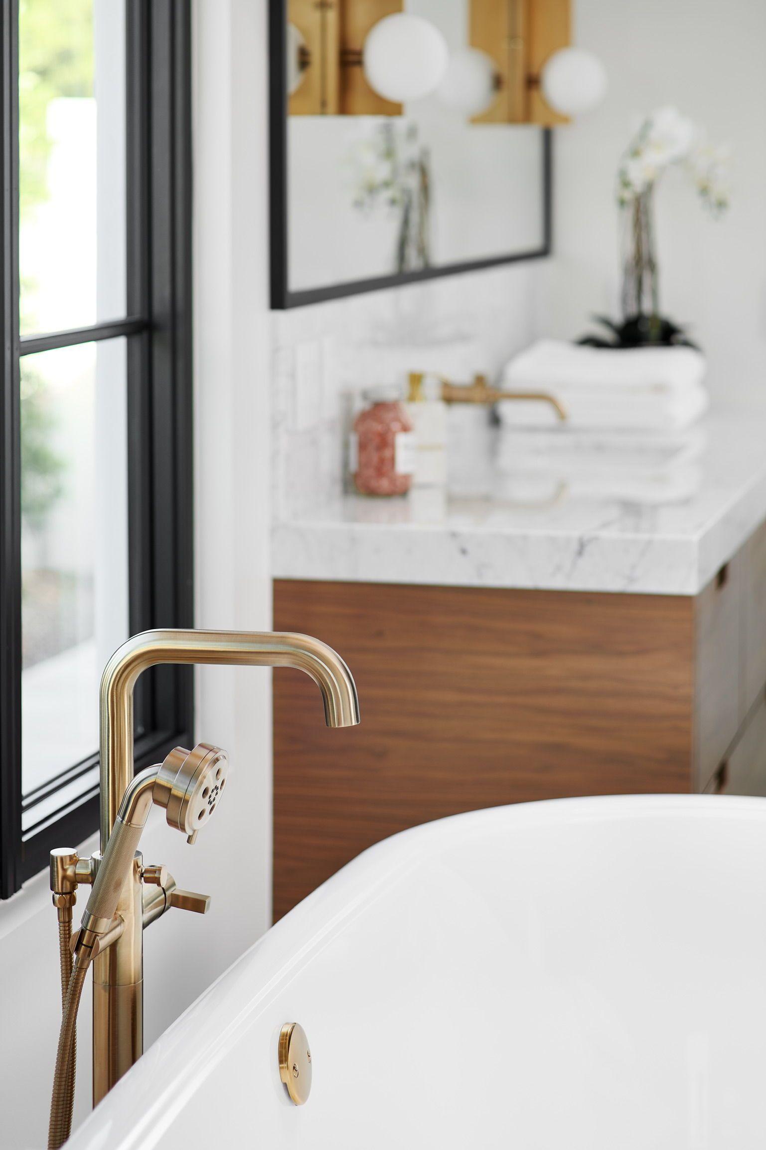 Brushed Brass Fixtures Modern Bathroom Decor Best Bathroom Designs Contemporary Master Bathroom