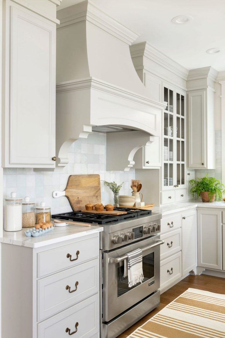 A Dream Worthy Lake House Lark Linen In 2020 Top Kitchen Trends Kitchen Inspirations Kitchen Remodel