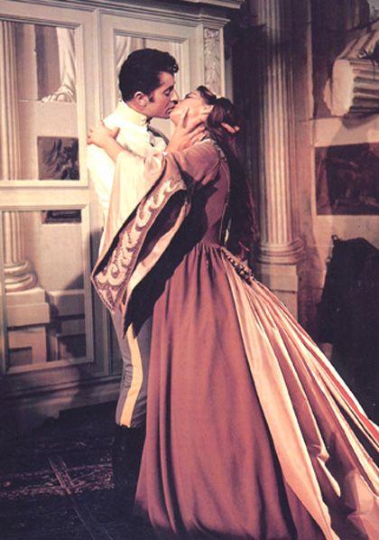 Risultato immagini per bacio SENSO, DI LUCHINO VISCONTI, 1954