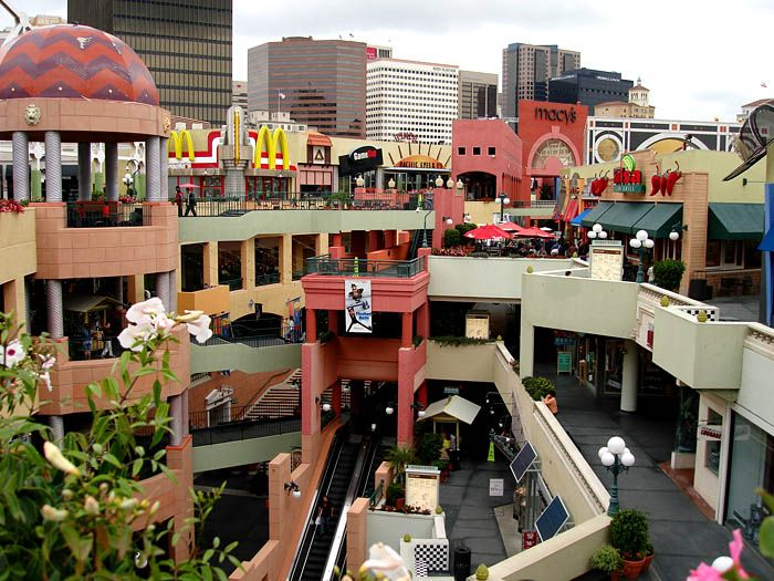 Oct 06,  · We have visited San Diego often, over the last 30 years. On our last visit June/July we were impressed with the changes, especially Gaslamp, as there were a lot of new restaurants around and Horton Plaza was getting a new public seating area.4/4().