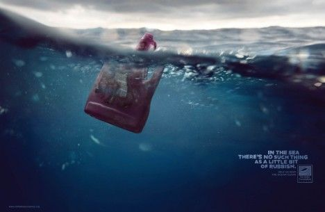 """Il n'y a pas de petite pollution.  Aidez-nous à garder la mer propre.""    ""In the sea, there's no such thing as a little bit of rubbish.  Help us keep the oceans clean.""  Ad from @Surfrider Foundation (2010)"