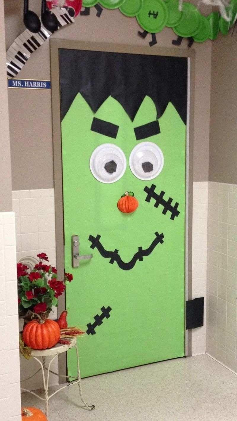Frankenstein Türdeko zu Halloween in der Schule Basteln (Schule - Halloween Classroom Door Decorations