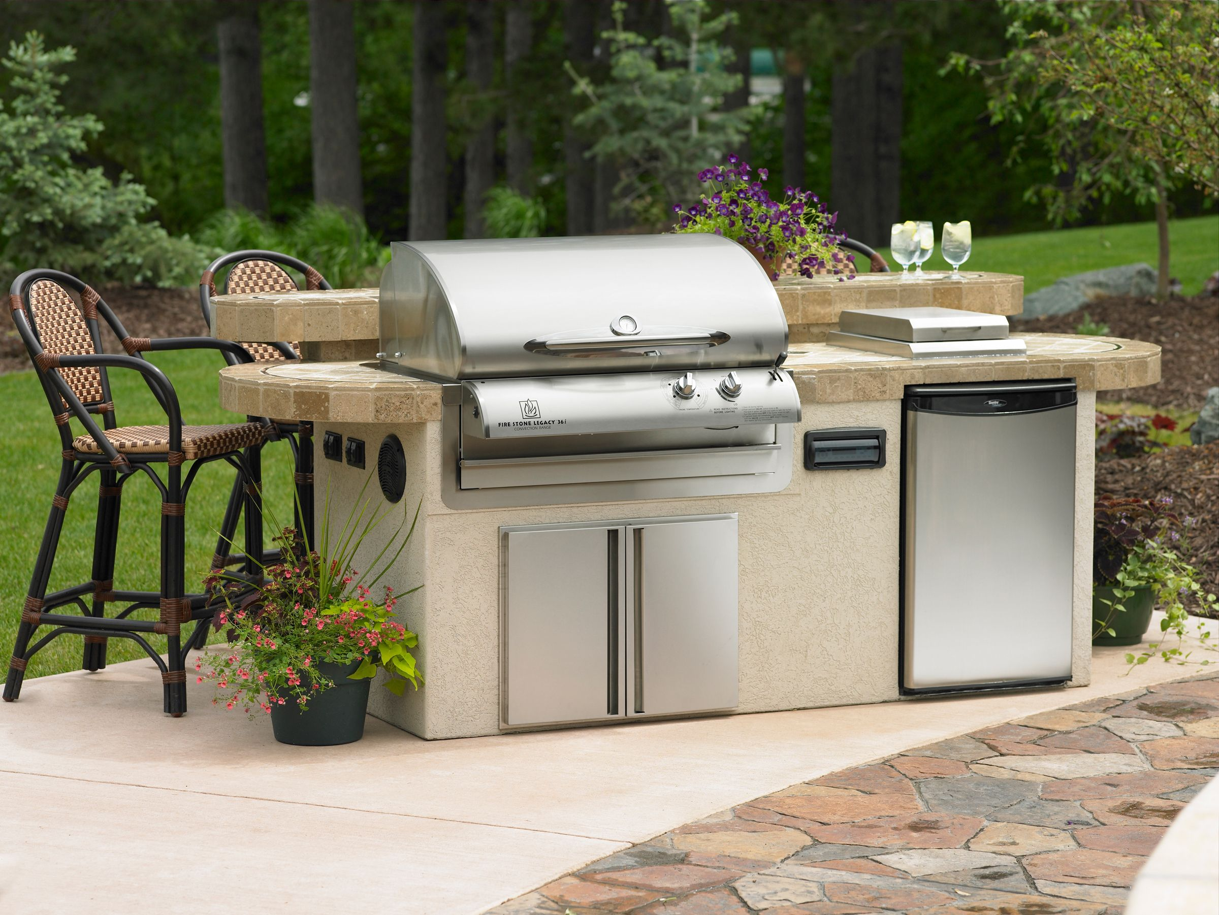 New Island Grills With Refrigerator And Bar And Built In Speakers