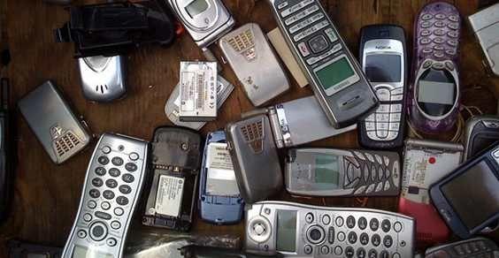 Che farne del vecchio cellulare? Ecco alcune idee