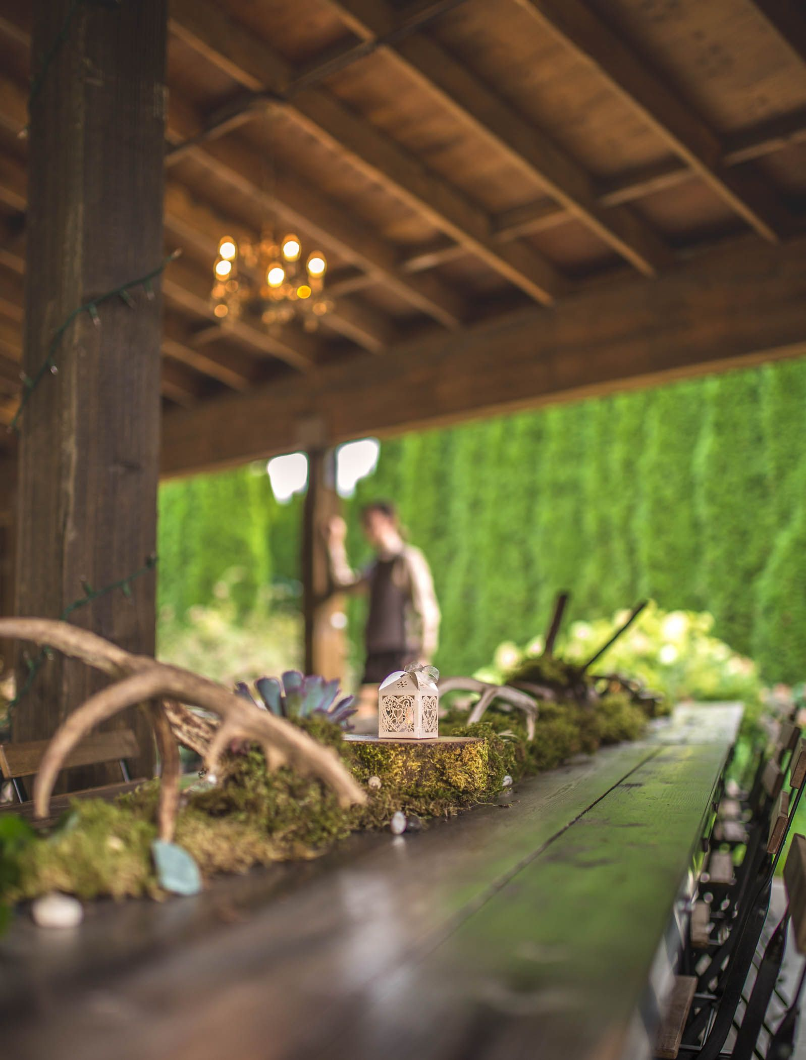 Deer themed wedding table decoration in kent wa antlers moss deer themed wedding table decoration in kent wa antlers moss pinecones junglespirit Image collections